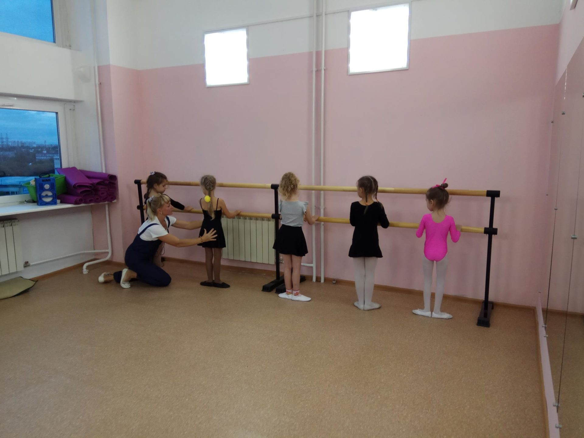 занятия по танцам в детском центре Наши дети в Марьино